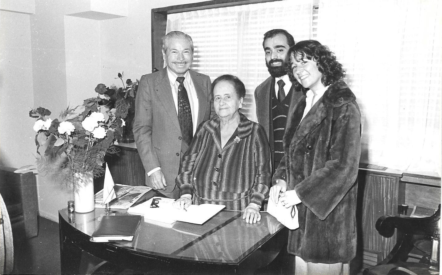 Alejandro Biondini con Doña Pilar Franco Bahamonde (1981)